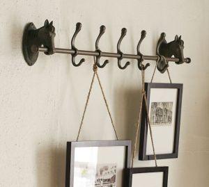 Horse Hooks i